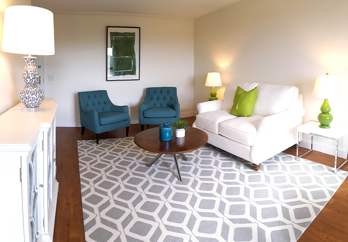 Living room at Goldman Residences at Center Communities of Brookline, part of Hebrew SeniorLife